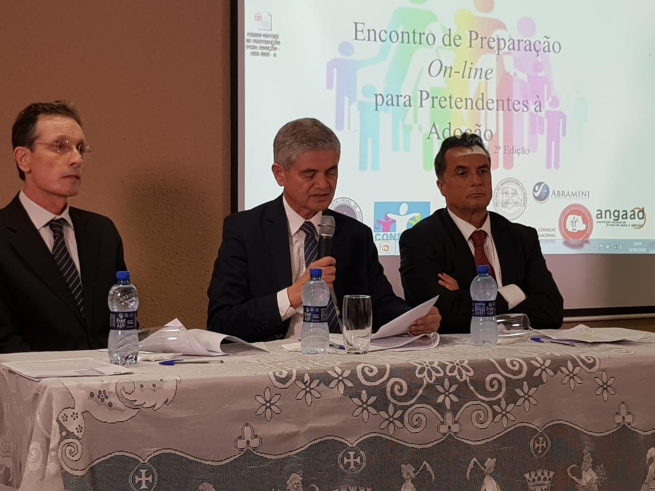 Com apoio da AMAPAR e EMAP, Corregedoria-Geral inicia curso para pretendentes à adoção
