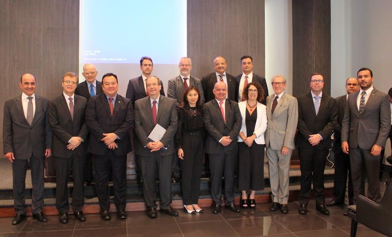 Com a presença de membros da próxima cúpula do TJ, ministros do STJ palestram na AMAPAR
