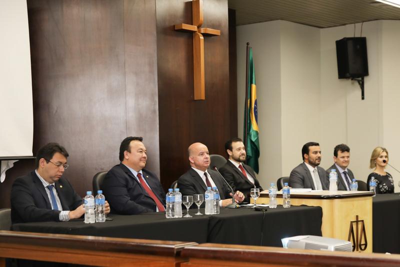 """Congresso Brasileiro de Psicologia do Testemunho e Prova Penal, promovido pela AMAPAR e EMAP, tem """"casa cheia"""""""