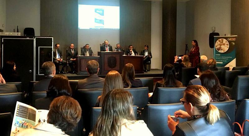 AMAPAR, 2ª vice e ENM realizam com pleno êxito encontro nacional com destaque à Justiça Restaurativa