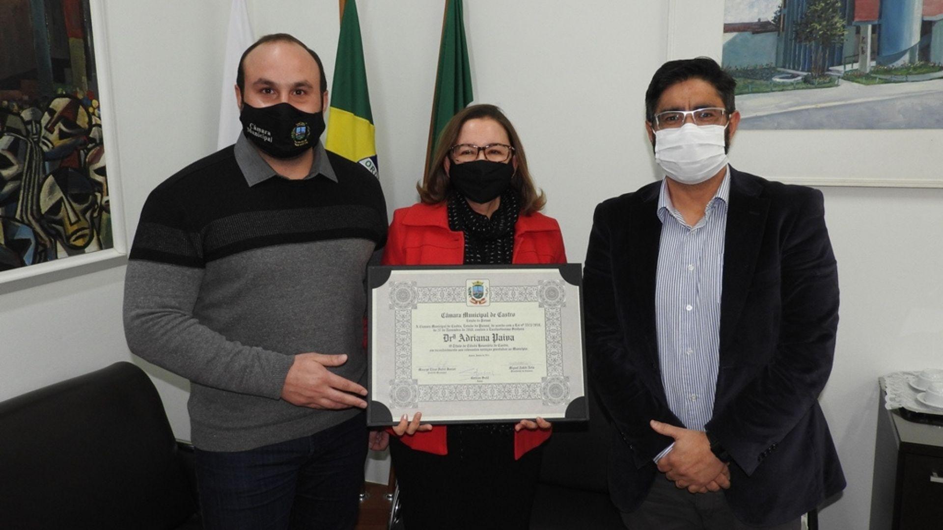 24 anos dedicados à comarca de Castro e a cidadania honorária à juíza Adriana Paiva