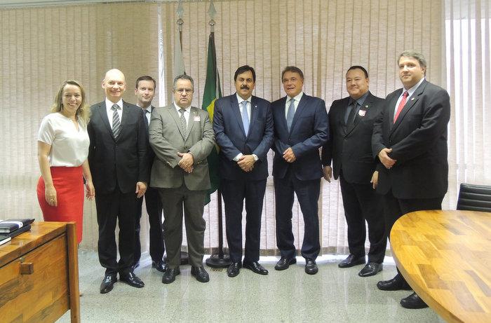 Foro Privilegiado e Lei de Execução Penal pautam reunião da diretoria da AMB com o senador Alvaro Dias