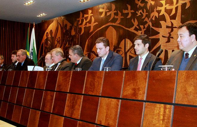 Magistrados e parlamentares criticam retrocesso do TSE e debatem alternativas para evitar a extinção de zonas eleitorais
