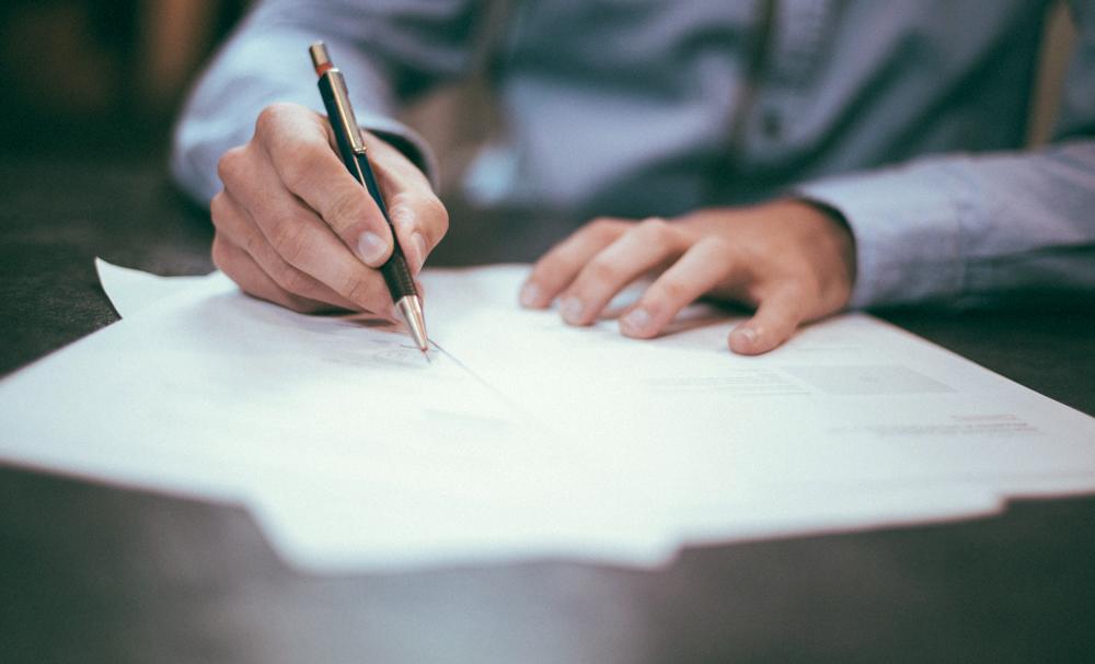 AMAPAR e EMAP editam caderno especial com as questões respondidas da segunda fase do concurso para a magistratura