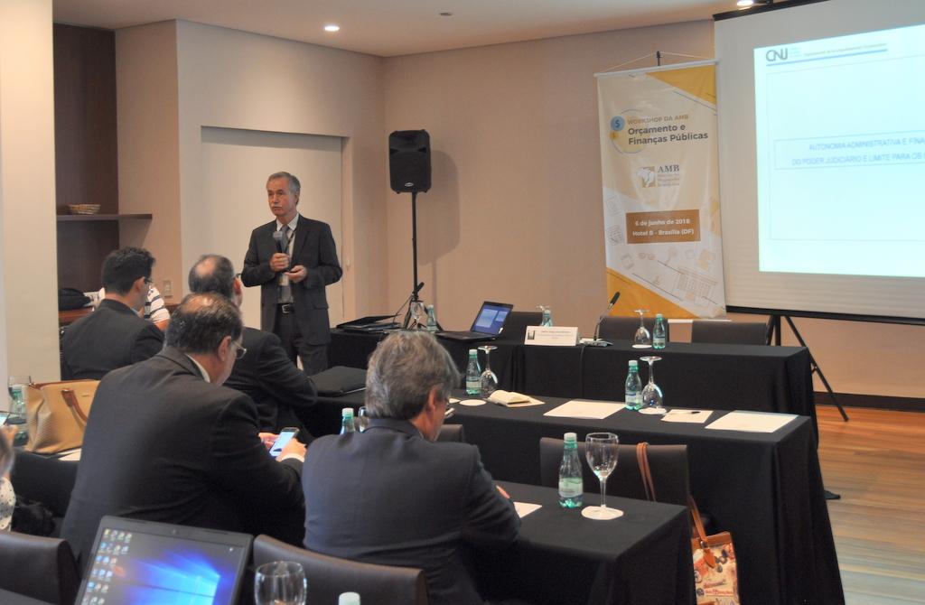 AMAPAR participa de workshop na AMB sobre orçamento e finanças públicas