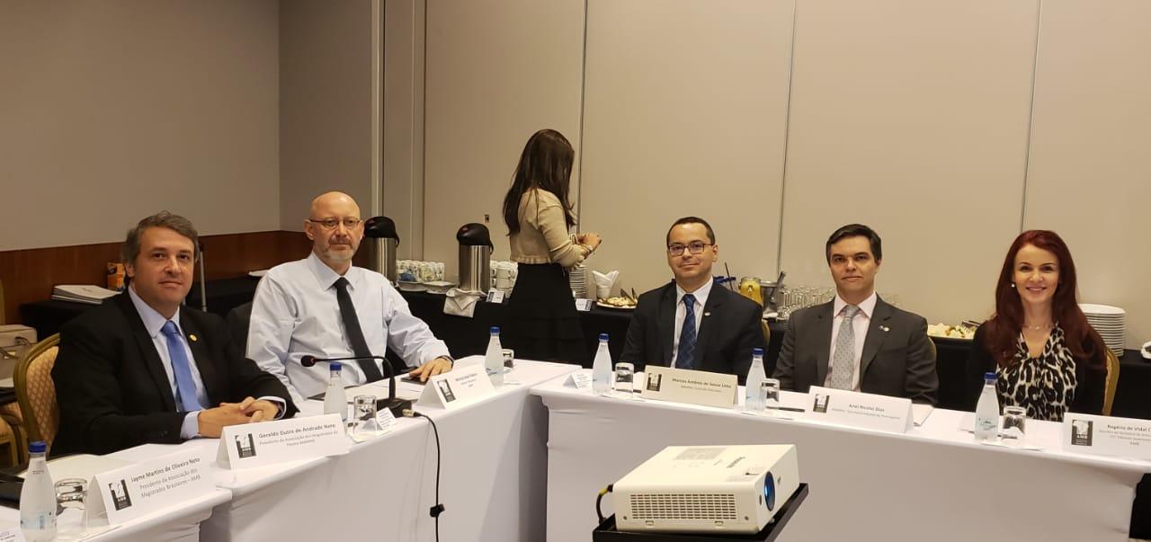 Diretores da AMAPAR se reúnem em Brasília para tratar do ENAJE; Inscrições promocionais no encontro até sexta-feira (15)
