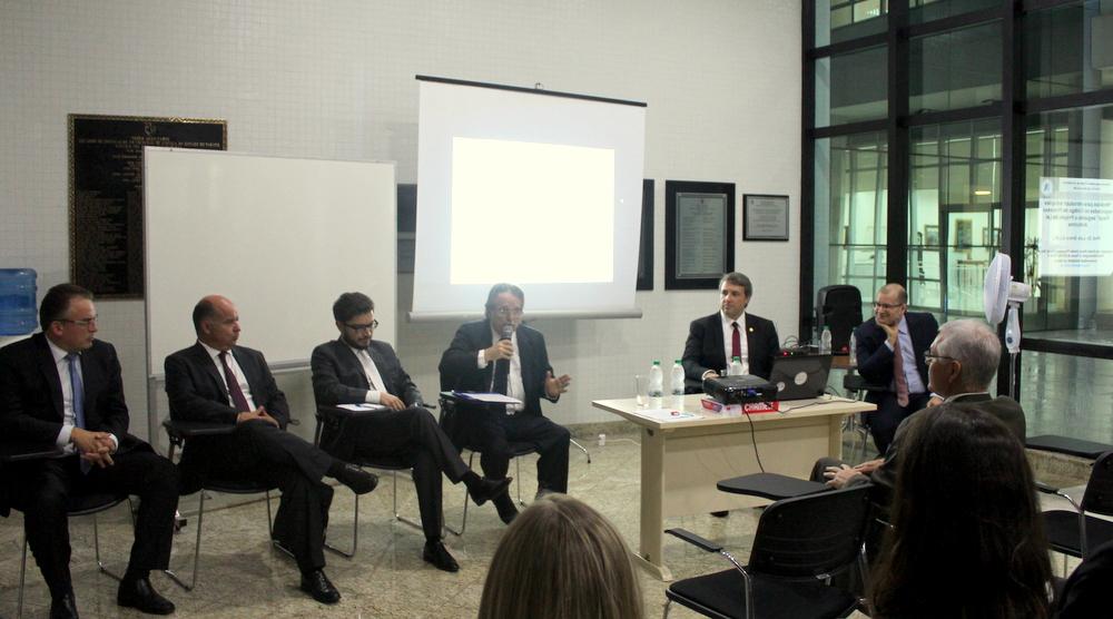 AMAPAR atrai bom público no debate sobre o projeto de lei anticrime e convida para novo encontro