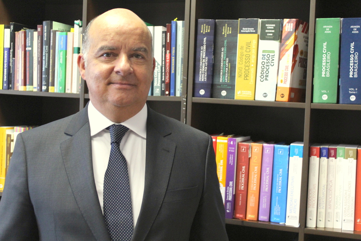 AMAPAR destaca a eleição do Diretor-geral da EMAP à presidência da Academia Paranaense de Letras Jurídicas
