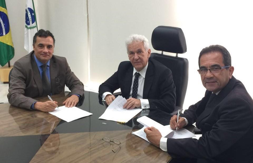 Diretoria da EMAP e presidente do TJ-PR celebram convênio de cooperação com ganhos à prestação jurisdicional