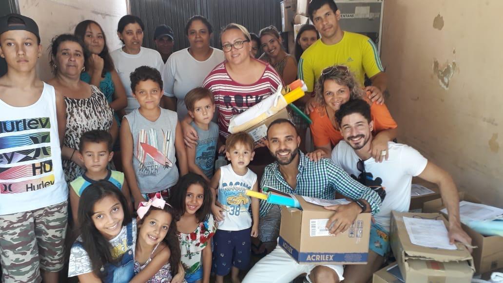 Do subúrbio ao exemplo, juiz Felipe Bernardo capitaneia projeto de doação de materiais escolares para crianças carentes