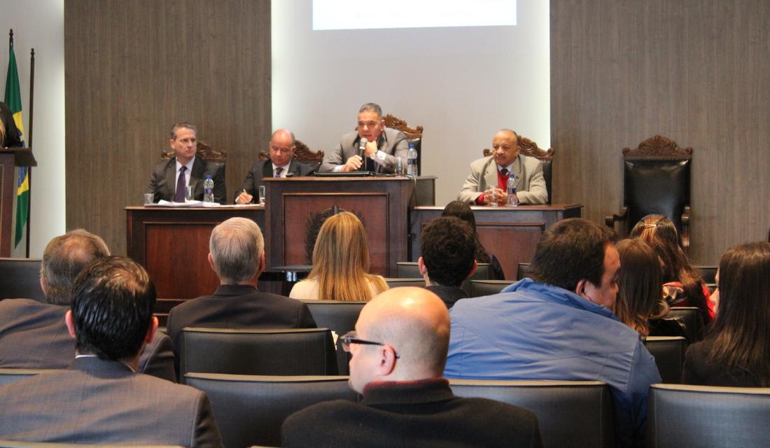 Associados à AMAPAR iniciam curso de excelência com destaque na análise econômica do Direito