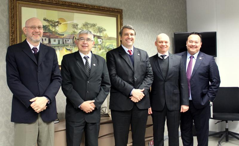AMAPAR recebe a visita do presidente da Federação Latino-americana de Magistrados