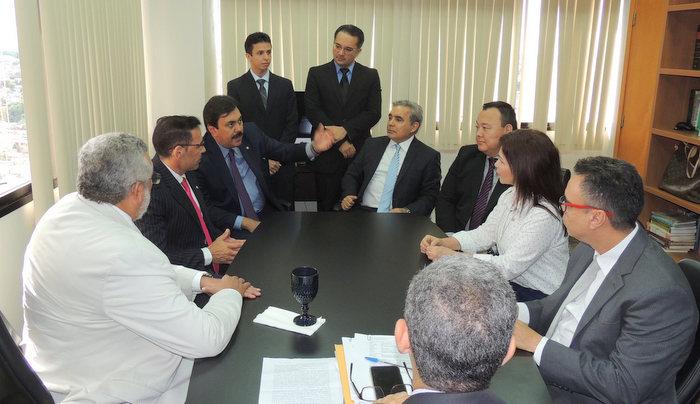 NORTE A SUL - Diretores da AMB fazem reunião com parlamentares de Manaus para debater pautas que interessam magistrados
