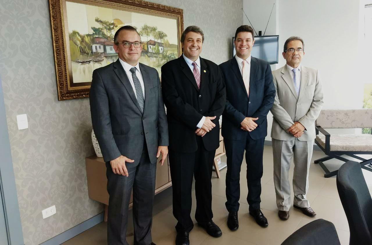 Vice-presidente da Assembleia Legislativa do Paraná visita a AMAPAR