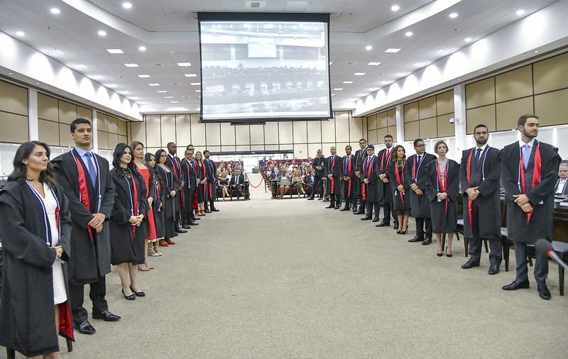 Posse resulta na pronta adesão de 22 juízes ao quadro de associados da AMAPAR