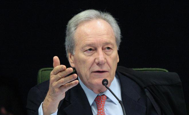 Lewandowski será o relator de ação da AMAPAR que trata da aquisição e registro de armas de fogo