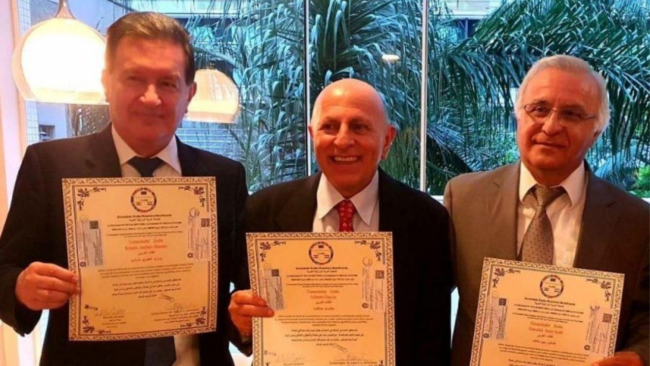 Em reconhecimento ao Poder Judiciário, desembargadores paranaenses recebem homenagem da Sociedade Árabe Brasileira Beneficente