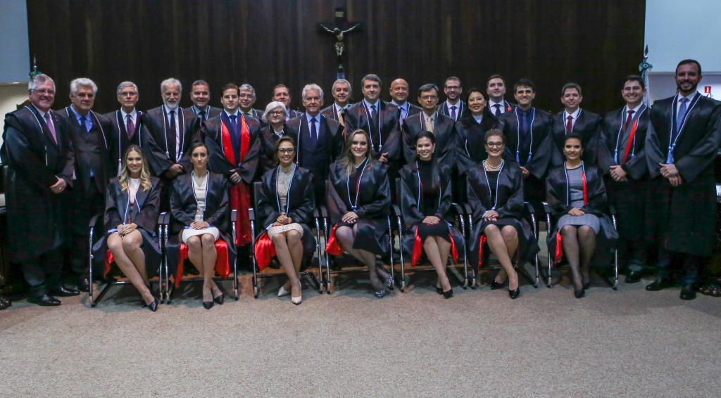 Posse dos 14 novos juízes no TJ-PR é marcada por palavras de valorização da magistratura e de união
