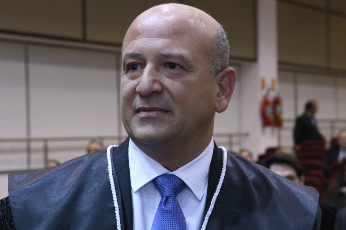 Desembargador paranaense assume a 2a vice-presidência da ENM e anuncia cursos de mestrado e de doutorado para magistrados
