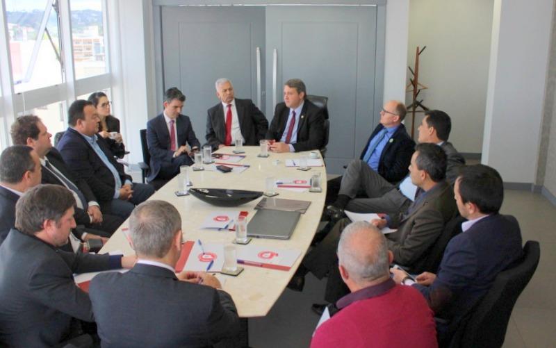 AMAPAR reúne representantes de associações e sindicatos para discutir a Reforma da Previdência