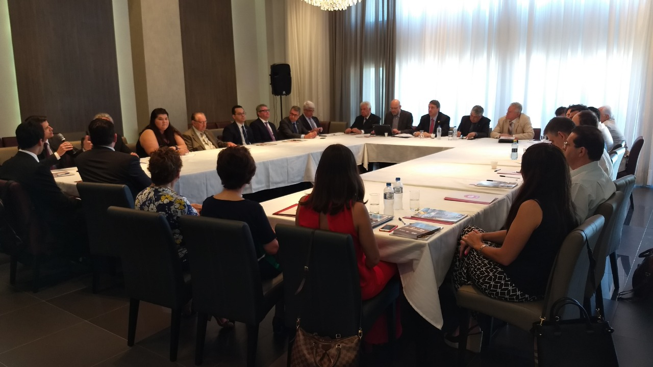 Requerimentos, atuação junto ao Legislativo e alienações de imóveis pautam a reunião de diretoria