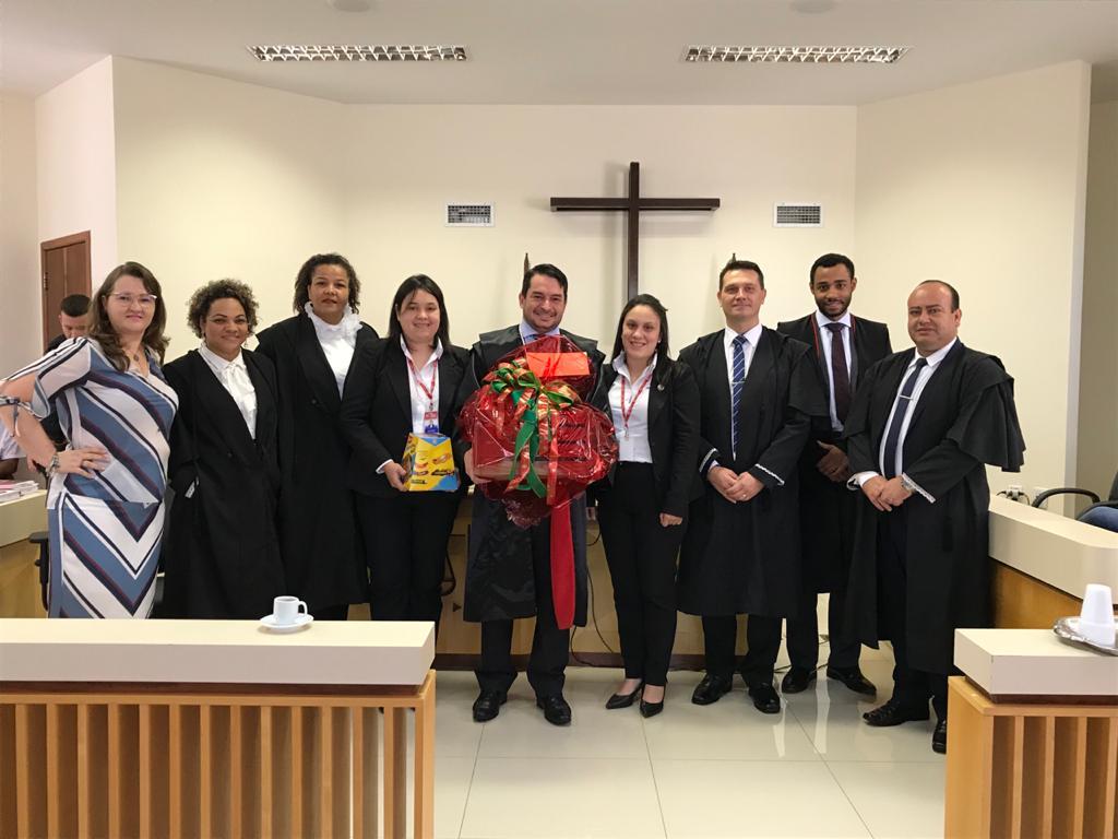 Consulado geral do Paraguai presta homenagem de reconhecimento ao Judiciário em São Miguel do Iguaçu