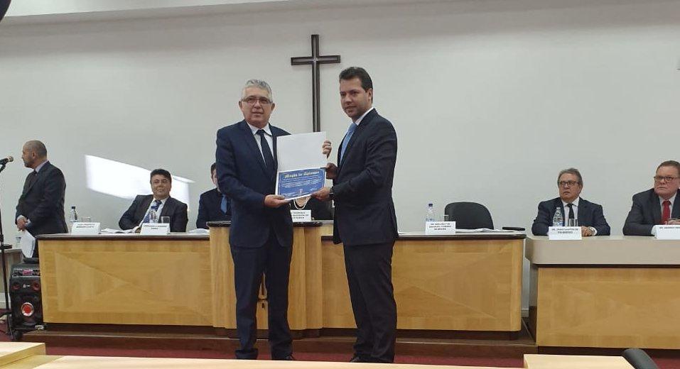1º vice do TJ-PR e da AMAPAR recebe homenagem em Pato Branco